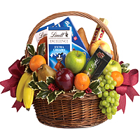 Classic Gift Hamper with Fresh Fruits and Treats