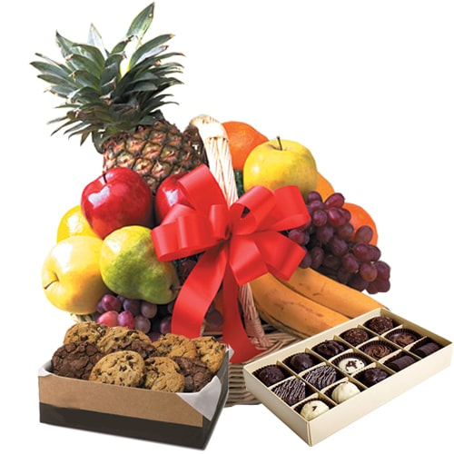 Market-Fresh Fruit Basket with Mesmerizing Charm To