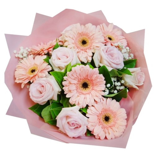 Pretty Arrangement of Pink Roses and Fantastic Gerberas