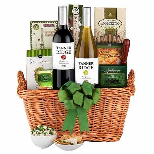 Innovative Gourmet Hamper with Wine