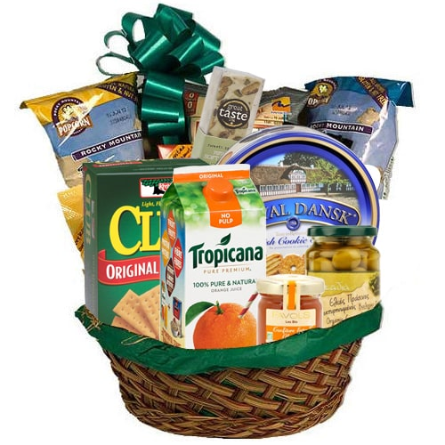 Remarkable Love Treat Gift Hamper To