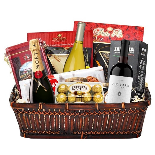 Adorable Gift Hamper Basket for Sweet Celebration