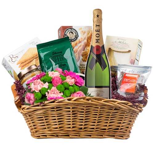 Incredibly Smart Hamper of Moet and Chandon Champagne, Sweets and Flowers To Sorachi