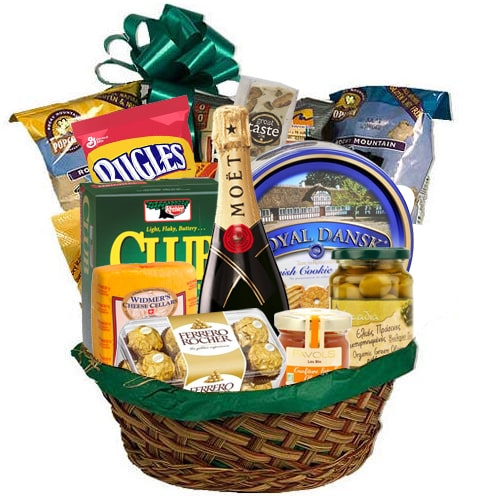 Adorable Hamper of Champagne with Lots of Eatables To
