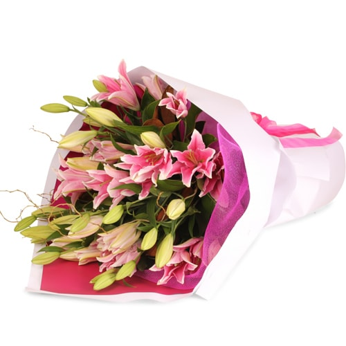 Striking Bouquet of Premium Asiatic Lilies